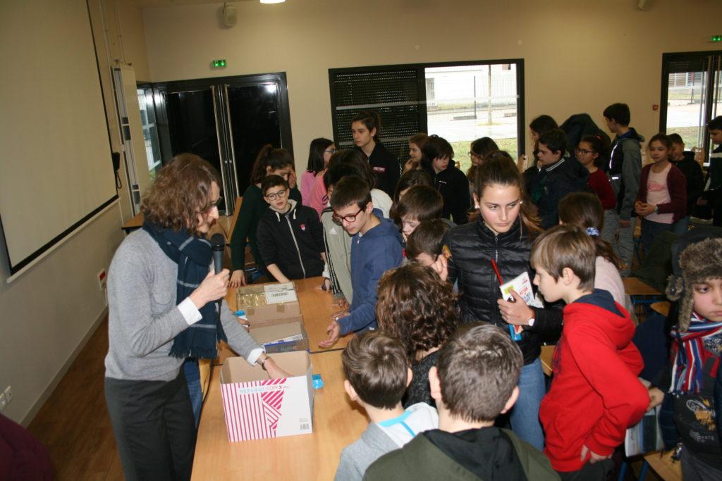 Les collégiens récompensés lors du quizz organisé à l'occasion de la journée franco-allemande au collège Vaugelas en début d'année 2019